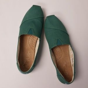 Womens Size 9 Toms